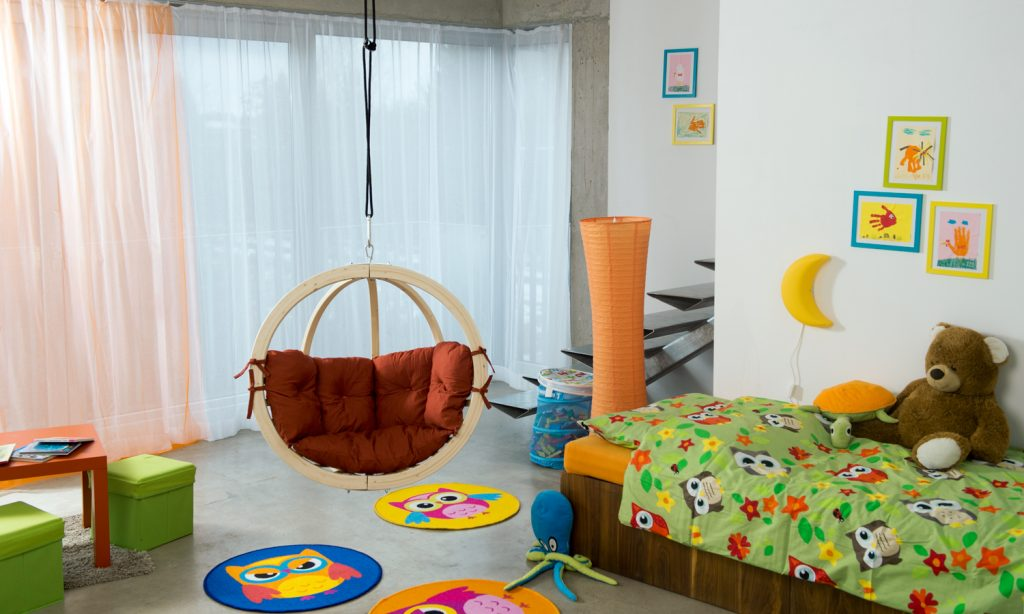 Kids Hanging Chair Globo by Byer of Maine