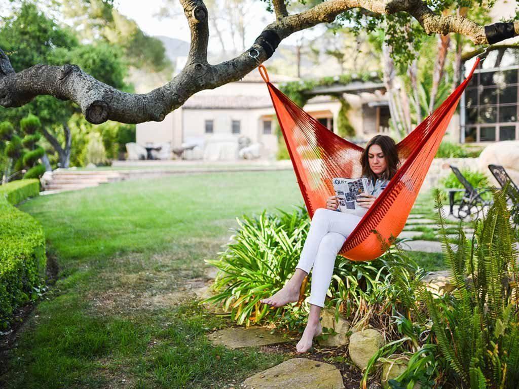 Review-Sedona Hanging Chair Hammock in garden