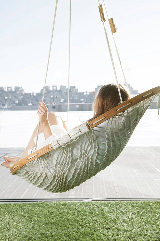 rope hammock chair with wooden frame
