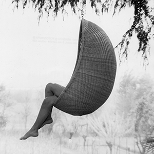HANGING CHAIR, 1957 DESIGN: NANNA & JØRGEN DITZEL PRODUCED BY SIKA DESIGN DENMARK