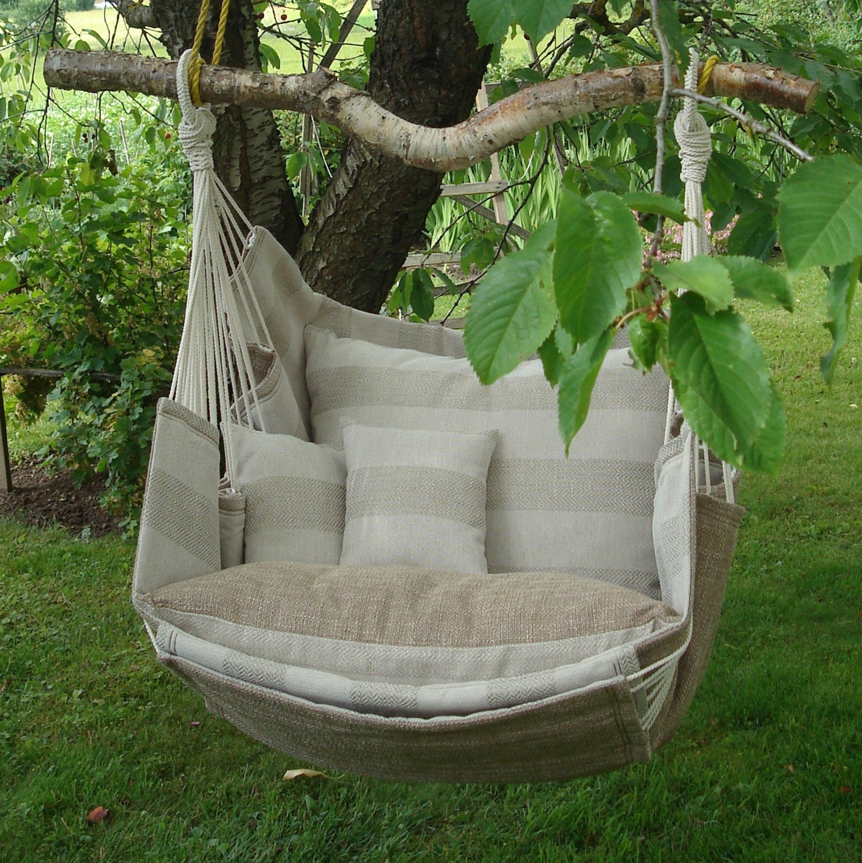 handmade-hammock-chair-latvia-outdoor