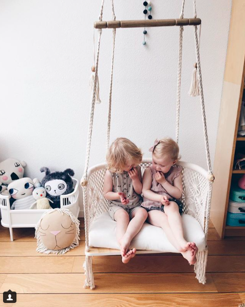 Macrame_Hanging_Chair_in_Cream._Natural_wood