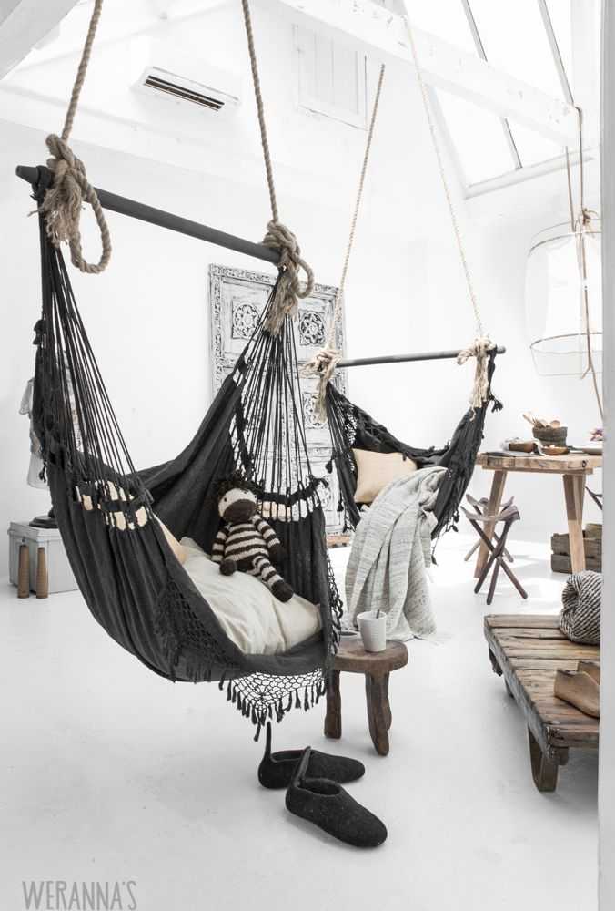 Black-hammock-chair-Weranna-eCatalogue