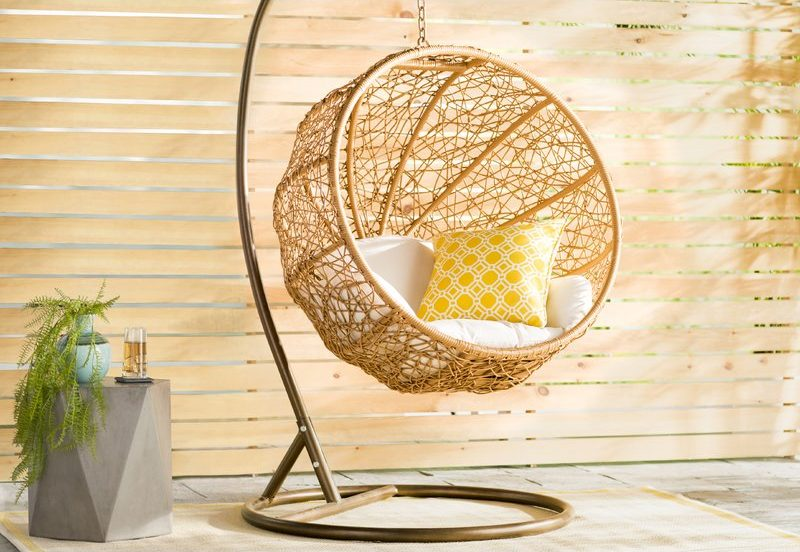 Swing ball Chaped Wicker Chair with Stand Eliot Zolo with white and yellow cushion review