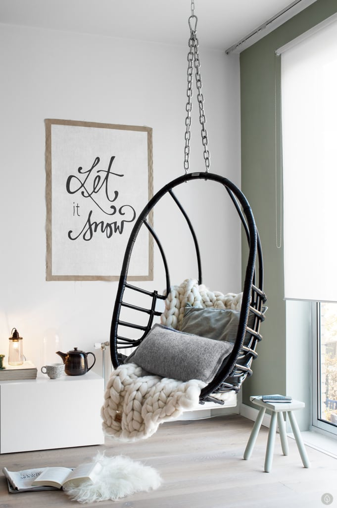 Hanging-chair-living-room-Tanja-van-Hoogdalem