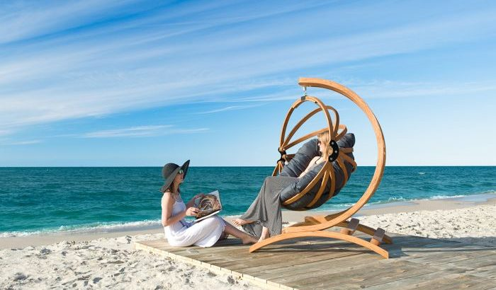 beach-hanging-chair-with-stand-luxury