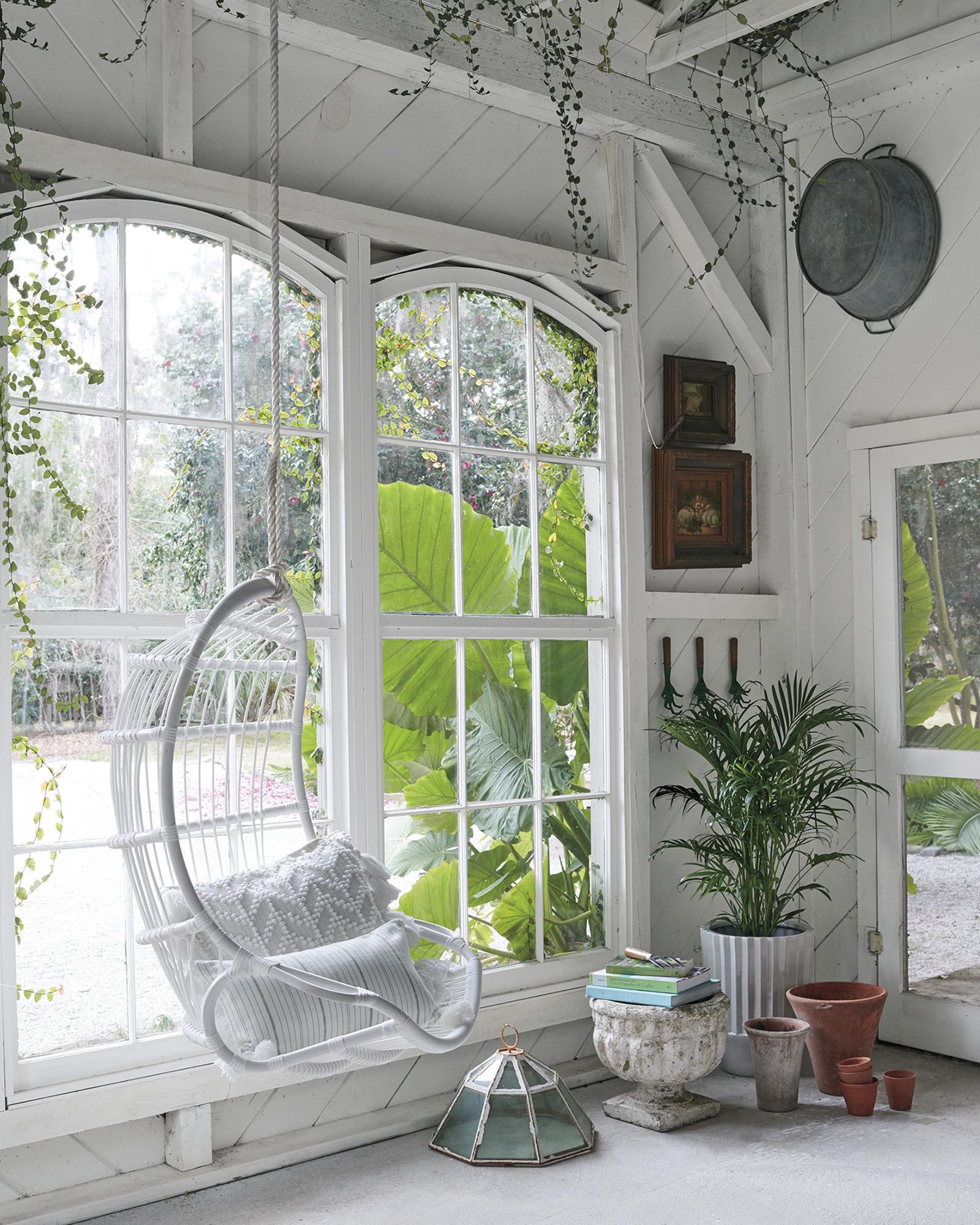 Hanging-egg-basket-_Chair-srena-lilly