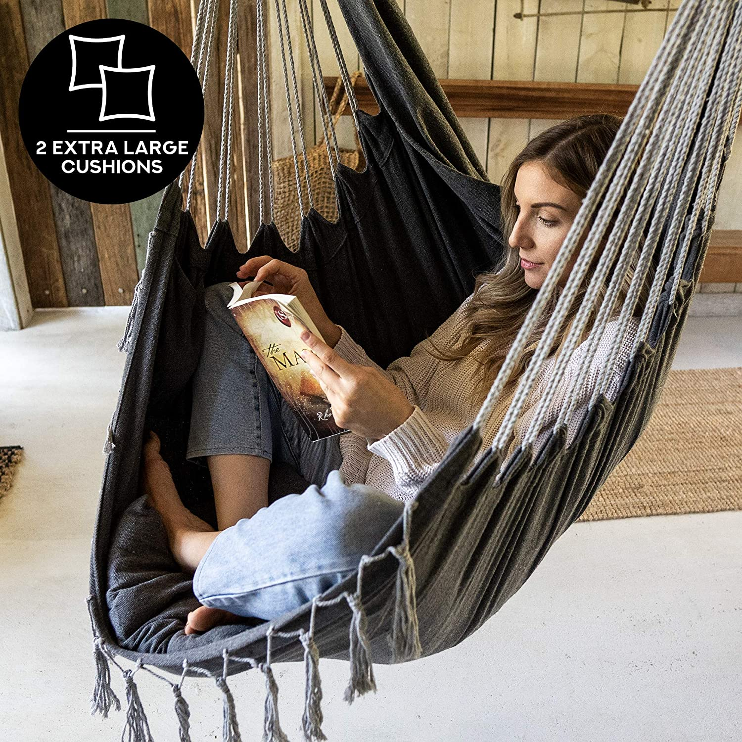 corona-hammock-chair-for-reading-and-relaxing-with-pocket