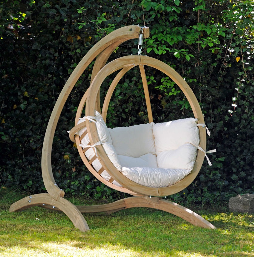 Hanging-Globo-Chair-with-Stand-in-Garden