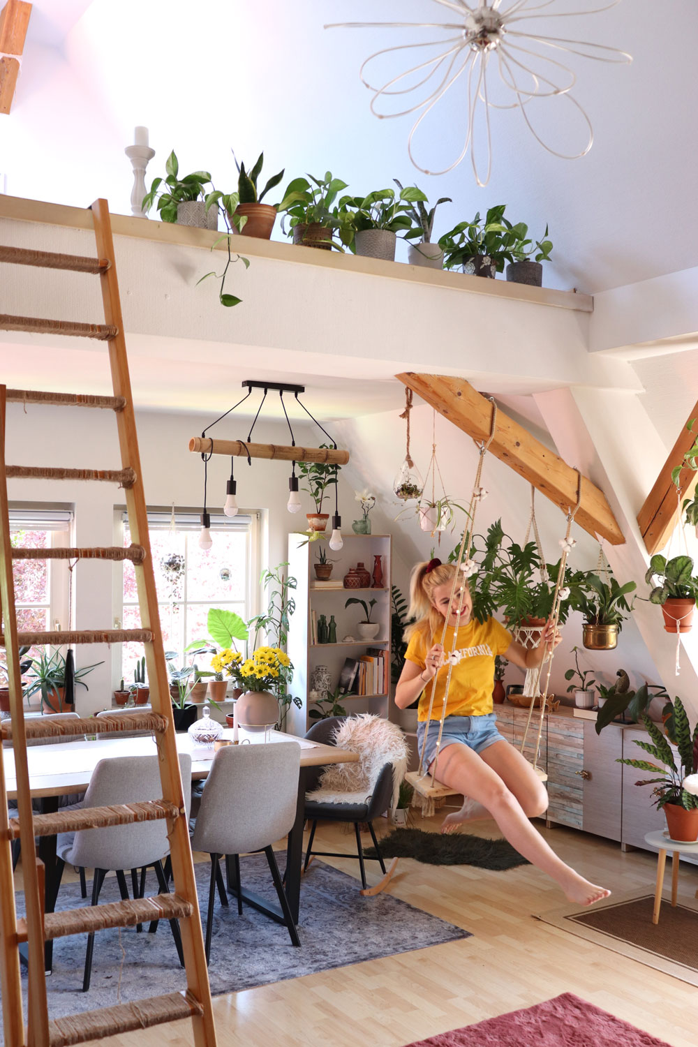 DIY-indoor-swing-in-a-jungle-loft-appartment-fagususban-submission