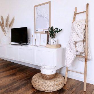 Decorative-wooden-indoor-ladder-and-handmade-blanket----House-Tours-Valentina