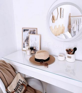Dressing-table-and-Panama-hat--Valentinas-House-Tour
