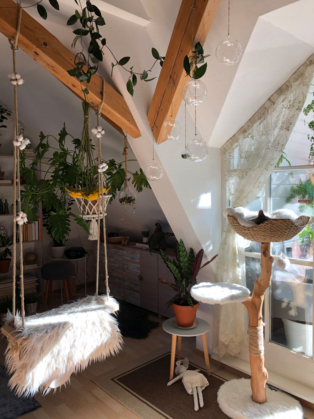 indoor-diy-swing-and-the-cats-tree-kristinas-home-tour-submission