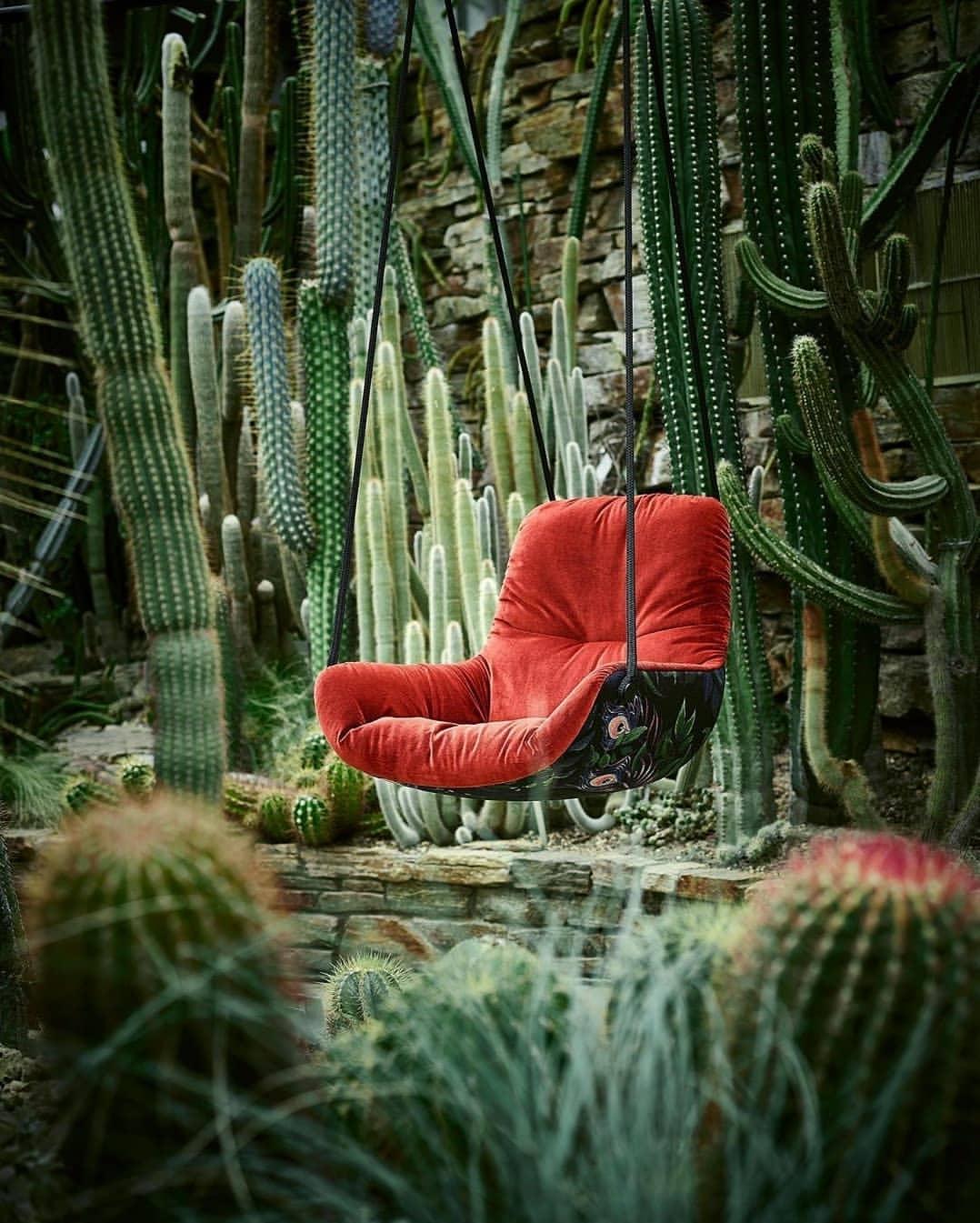 red-swing-seat-urban-jungle
