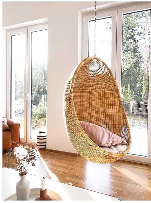 egg-shaped-hanging-basket-chair-original-by-nanna-ditzel