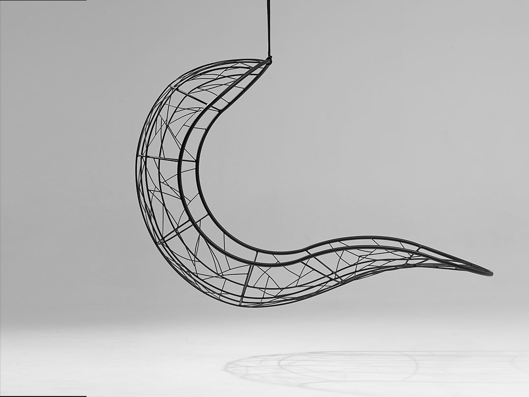 Recliner_hanging_swing_chair-by-Studio-Stirling