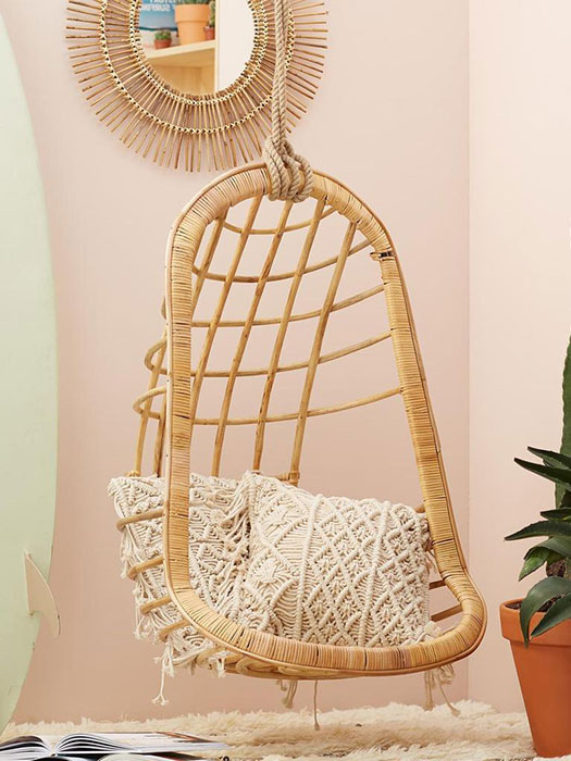 hanging-rattan-chair-for-small-room