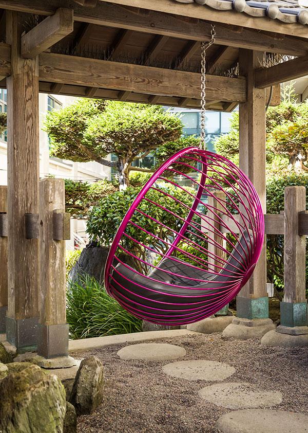 Rousseau-Chair-Hotel-pink-bubble-swing
